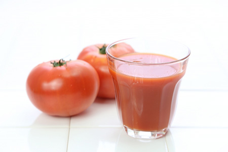 トマトジュースは犬が飲んでも大丈夫?